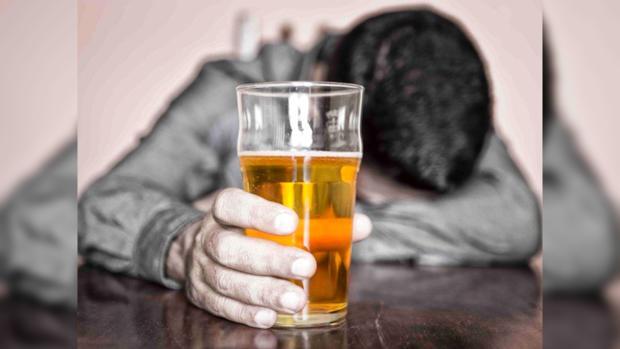 Женский алкоголизм наименее небезопасен мужского— Ученые доказали