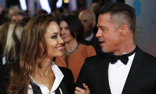 Публика сравнила со«скелетом вбелом» Анджелину Джоли