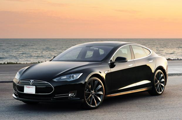 Tesla увеличил запах хода из-за урагана «Ирма»