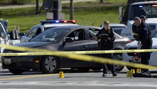 Несколько человек ранены во время стрельбы в школе Вашингтона