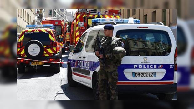 Женщина, облившая кислотой туристок вМарселе, ощущала проблемы спсихикой
