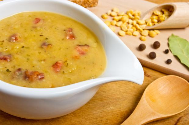 Как сделать гороховый суп сытным и вкусным: секрет таится в двух ингредиентах