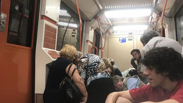 ВМадриде изметро эвакуировали людей из-за сообщений острельбе