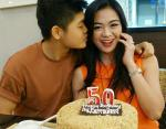 Новая звезда Инстаграм: 50-летняя индонезийка выглядит моложе своих сыновей