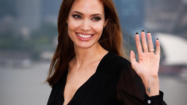 Звезда Голливуда Анджелина Джоли озвучит слониху вновом кинофильме  Disney