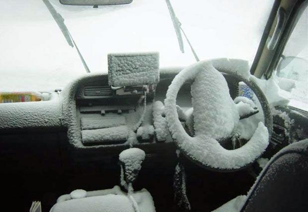снег в машине