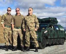 Volvo в танк за 50 часов: британцы переделали старый автомобиль и отправились покорять Европу