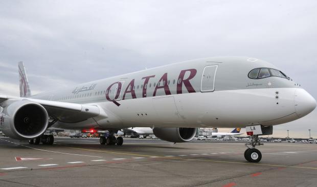 Самолет совершил вынужденную посадку после того как женщина уличила мужа в неверности и устроила скандал