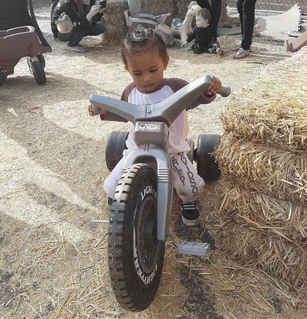 Ким Кардашьян поделилась снимком своего повзрослевшего сына - - Шоу ... ad1f80545c782