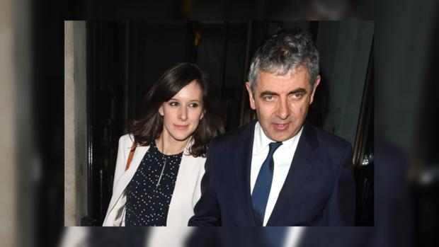 Роуэн Аткинсон с женой