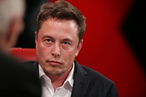 Специалист поведал, какие проблемы могут появиться при внедрении электрогрузовиков Tesla