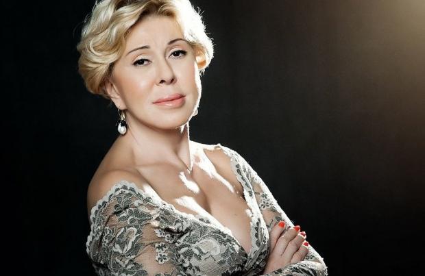 Любовь Успенская удивила фанатов «новым» лицом