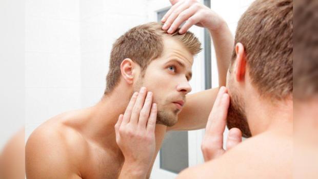 Почему лысеют мужчины и как выглядеть стильно даже без волос