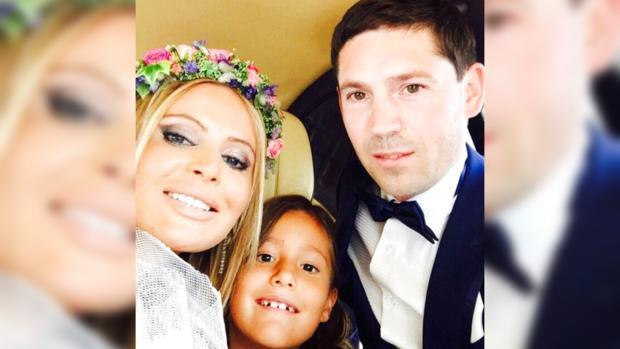 Дана Борисова с мужем и дочкой