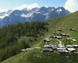 Жить в Швейцарии за деньги: альпийская деревня предлагает новым жителям финансовую помощь