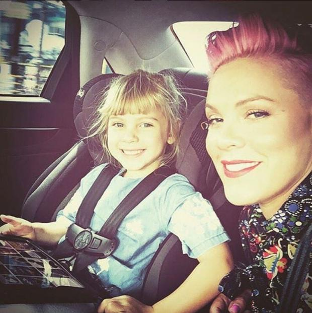 Пинк с дочерью