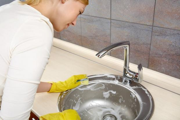 Очистить раковину в домашних условиях