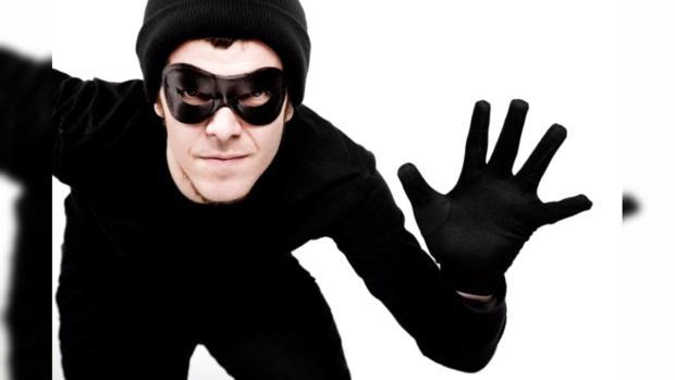 Одессит похитил телефон ислучайно выложил селфи вФейсбук владельца