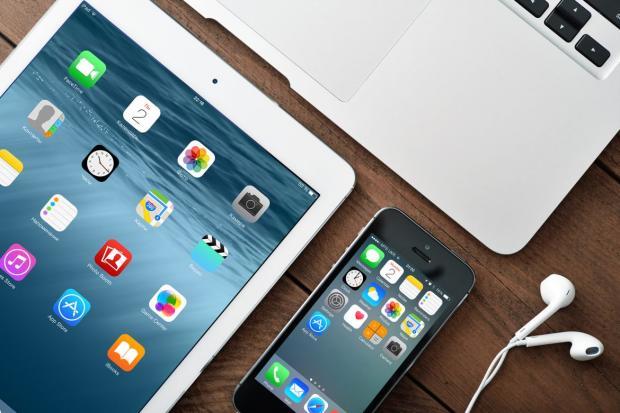 """В Apple признали факт неслучайного """"торможения"""" старых iPhone и нашли этому оправдание"""