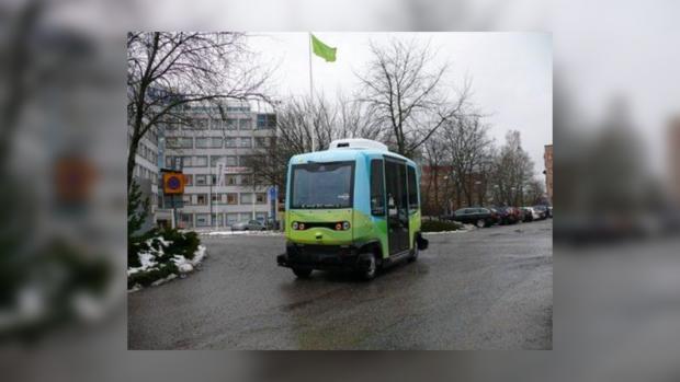 Беспилотные пассажирские автобусы запустили вШвеции