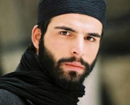Мехмет Акиф Алакурт: самые горячие снимки турецкого актера