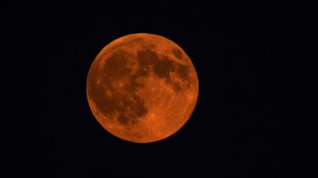 Ученые назвали время, когда Луна будет кровавой