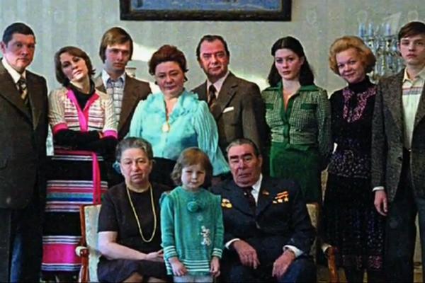 Умершую отрака внучку Брежнева похоронили в столице России