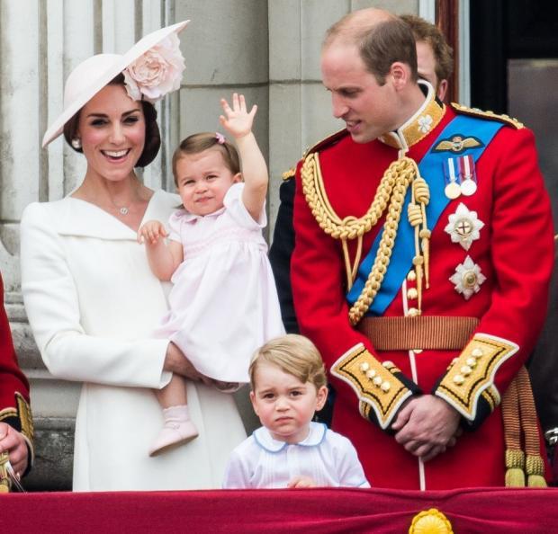 Двухлетняя принцесса Шарлотта говорит на 2-х языках