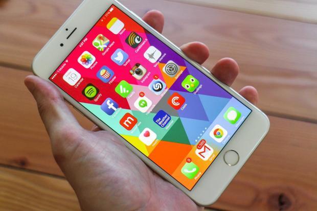 Apple снова начала замедлять старые модели iPhone: проведено исследование