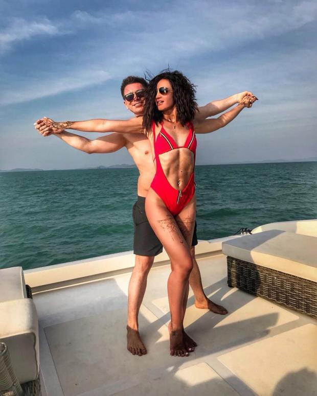 Ольга Бузова и Тимур Батрутдинов вместе отдыхают на яхте: фанаты заподозрили парочку в связи