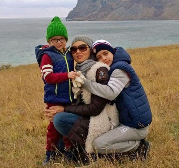 Елена Ксенофонтова рассказала как воспитывает детей и что она старается им привить