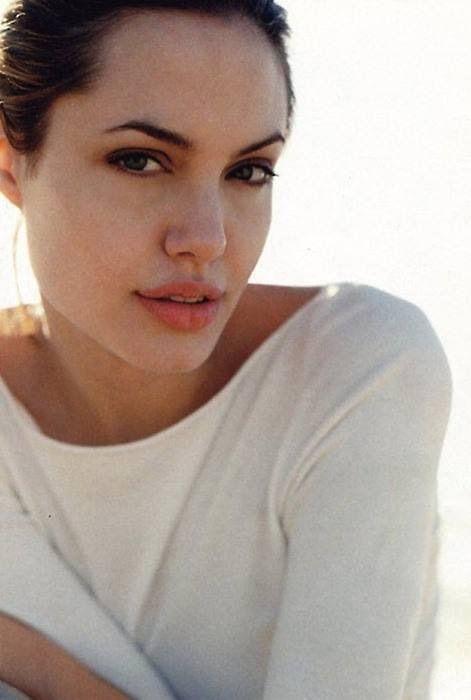 Кто лучше целуется: Джерард Батлер выбирал между Джоли и Энистон