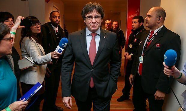 Кризис в Каталонии: Карлес Пучдемон назначенный премьером прибыл в Данию игнорируя угрозы Мадрида