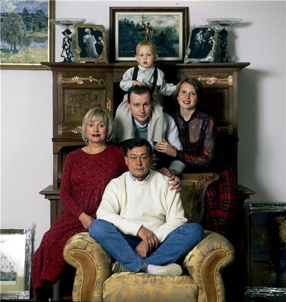 семья караченцов
