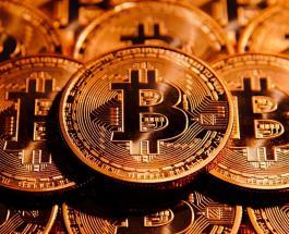 Курс биткоина падает: стоимость криптовалюты снизилась еще на 15 процентов