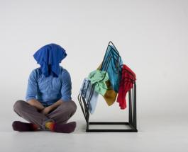 Необычная инсталляция в магазине Лондона: известный бренд выступил против текстильных отходов