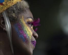 Карнавал в Рио-де-Жанейро: разноцветные блестящие красители наносят вред окружающей среде