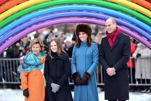 Кейт Миддлтон надела поистине царское одеяние Alexander McQueen для раута вОсло