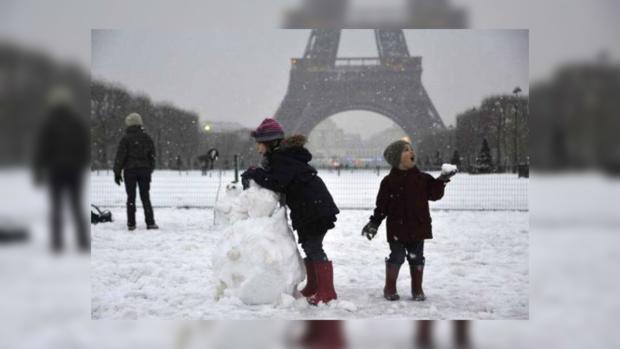 Встолице франции во 2-ой раз занеделю закрылась для туристов Эйфелевая вышка