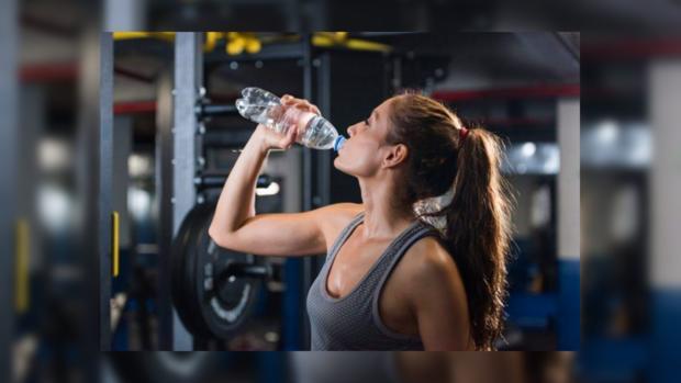 Лондонский спортзал отказался от использования пластиковых бутылок ради спасения планеты