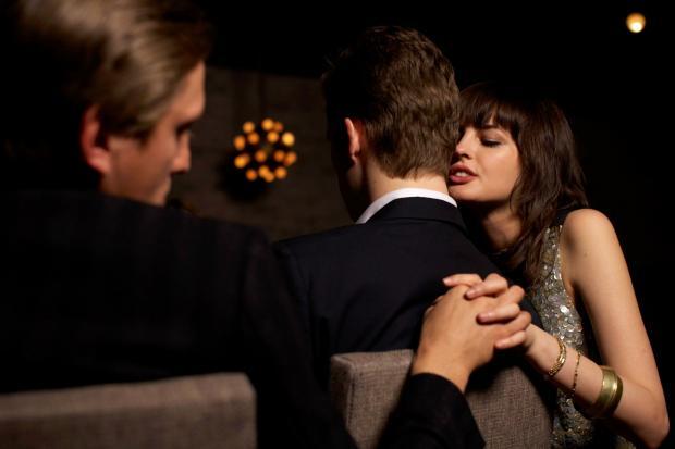 Удовлетворенные близкими отношениями супруги способны на измену: мнение ученых
