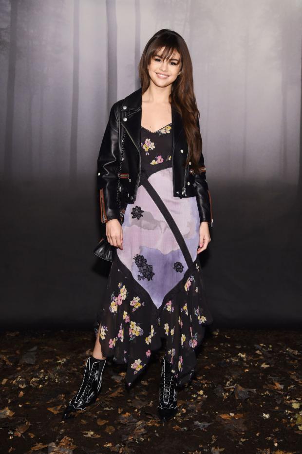Селена Гомес удивила поклонников сменой имиджа: как изменилась внешность певицы
