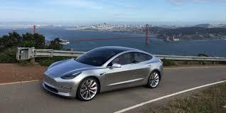 Илон Маск снова ставит рекорды: Tesla Model 3 вышла в топ-продаж США с начала 2018 года