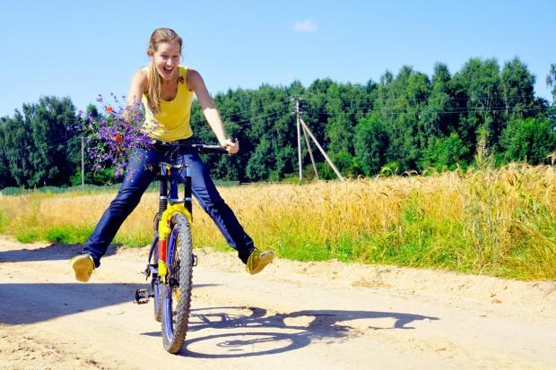 Английские  ученые узнали , что езда навелосипеде помогает замедлить старение