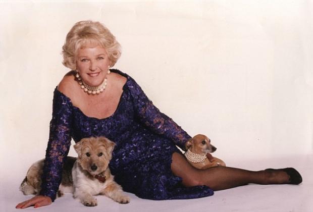 ВСоединенном Королевстве скончалась популярная артистка иведущая Евровидения Кэти Бойл