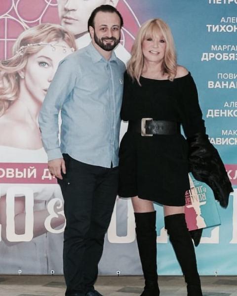 """Алла Пугачева пошутила над Филиппом Киркоровым и """"нарвалась"""" на комплименты от фанатов"""