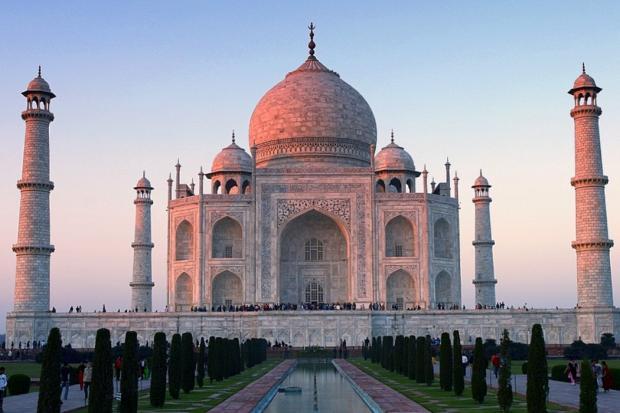 Для туристов ограничат посещение замка Тадж-Махал вИндии