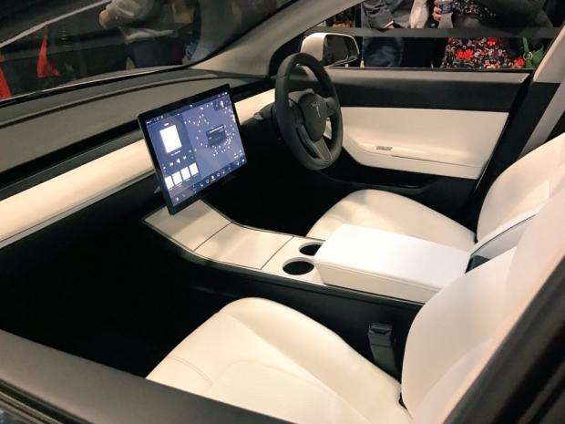 Автопилот Tesla устроил смертельное ДТП вСША