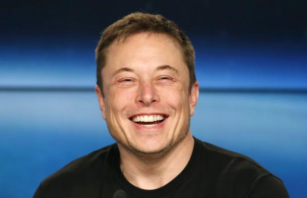 Илон Маск пошутил на миллиарды долларов: первоапрельская шутка обвалила акции Tesla