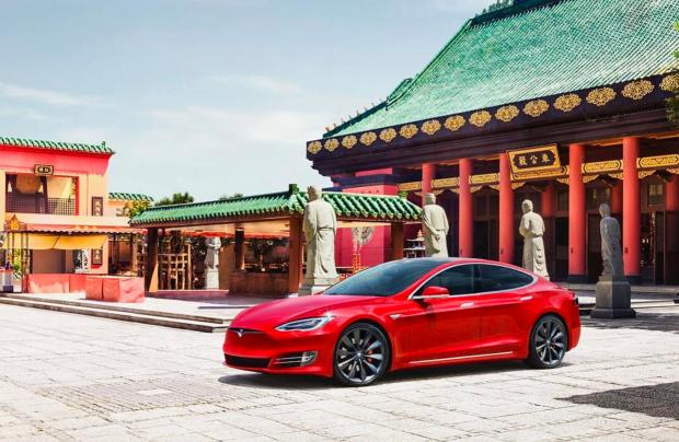 """Илон Маск в Китае: Tesla получила отсрочку уплаты повышенных тарифов в рамках """"tax war"""""""